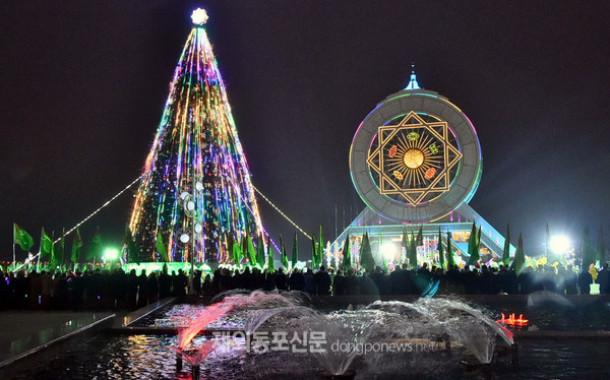 중앙아시아 이슬람 국가들 크리스마스 트리 높이 경쟁