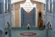 모스크, 18일 부터 개방
