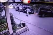 알마티에서 취객이 방역요원 공격하는 사건 발생
