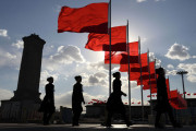 6월 25일  하루, 중국-카자흐 국경폐쇄