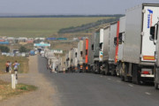 중국과 카자흐스탄 국경 검문소, 화물 정체 심각