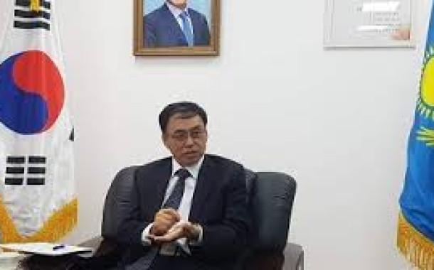 김흥수 총영사, 쿠나예프 유라시아 법률 아카데미 총장 면담